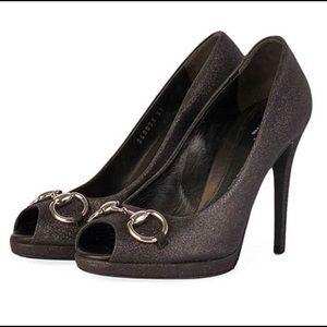 Gucci Glitter Hollywood Horsebit Peep Toe Pumps!🌟